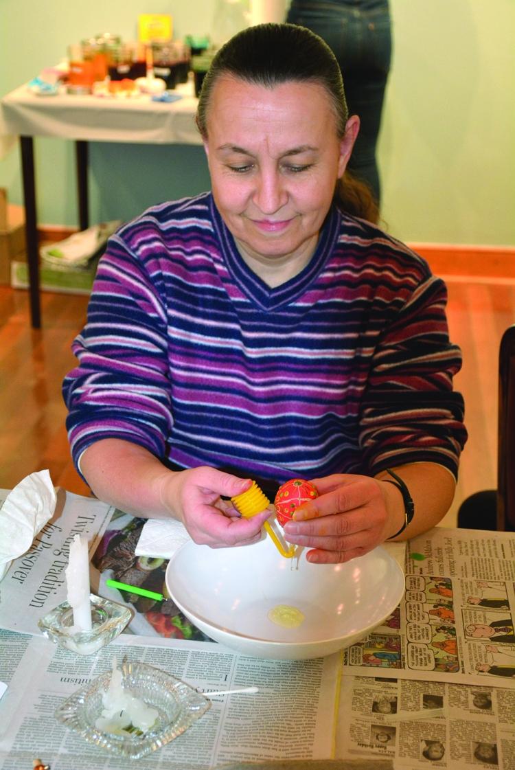 Gerry extracts yolk